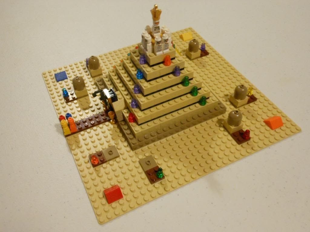 Ramses Pyramid board game