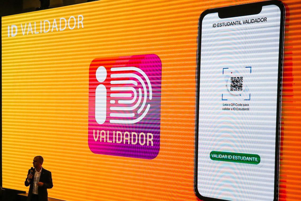 O diretor de Tecnologia e Informação do MEC, Daniel  Rogério, durante o lançamento do aplicativo da ID Estudantil