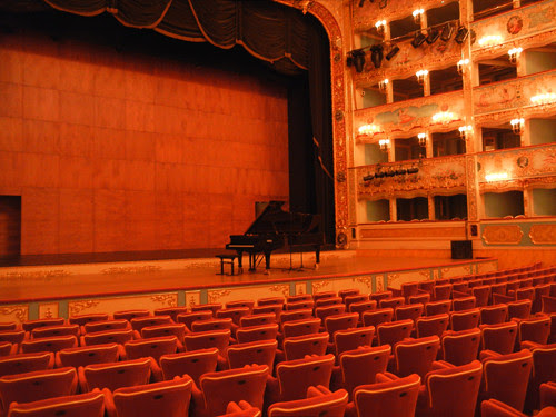 DSCN1403 _ La Fenice, Venezia, 13 October
