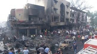 L'edifici on ha esclatat el cotxe bomba ha quedat totalment destrossat