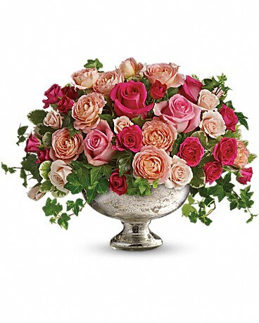 Queen S Court By Teleflora By Old World Creations