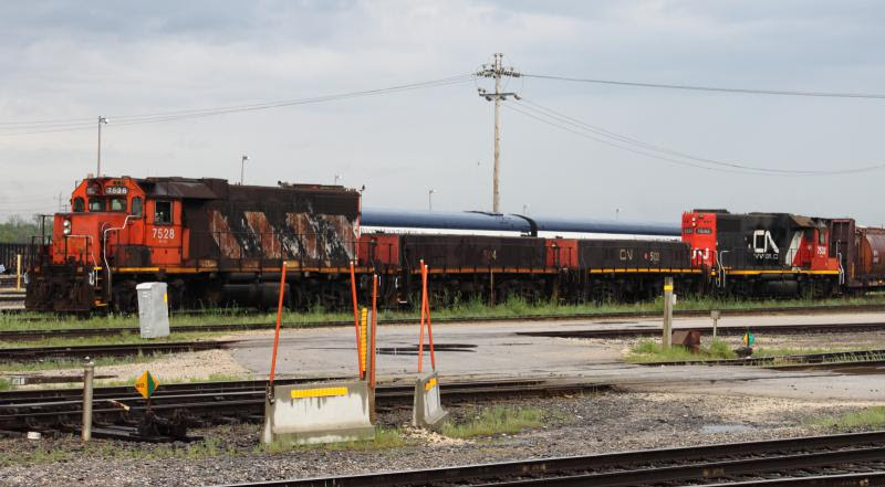 CN 7528 in Winnipeg