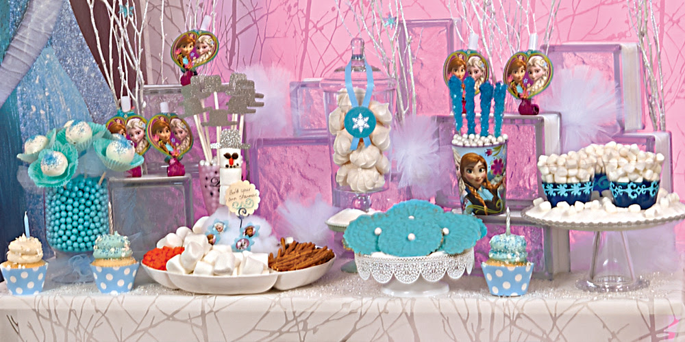 Disney Frozen Party in a Box - Deluxe with Favors