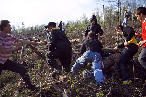 Ecological activists try to stop Khimki forest felling and clash with the security team of the highway builder by hegtor