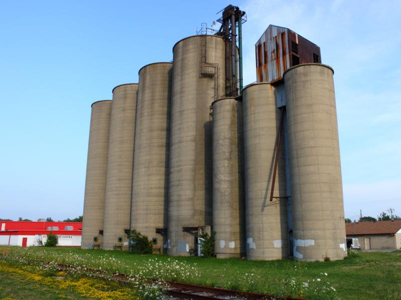 Grain elevator in Essex Ontario