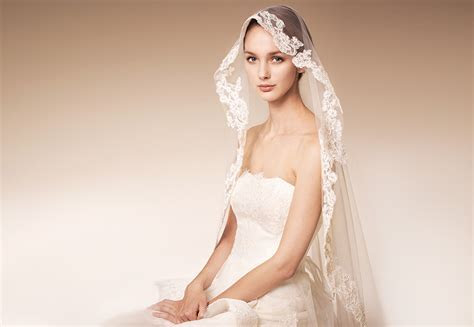 Wedding Veil Styles: How to Choose the Right One for Your