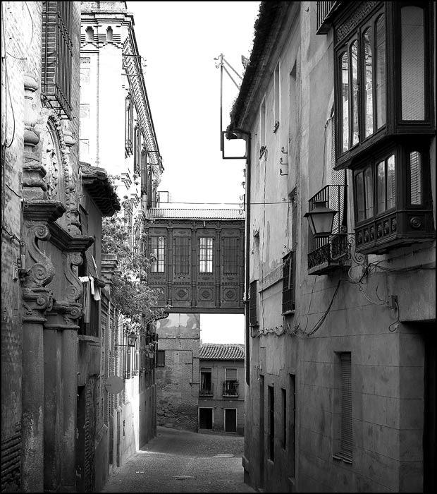 Cobertizo en el Colegio de Doncellas en Toledo en 1982. Fotografía de John Fyfe