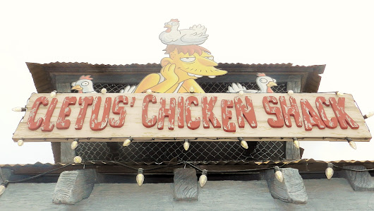 Best Thing I Ever Ate: Chicken and Waffle at Universal Studios - ThemeParkHipster