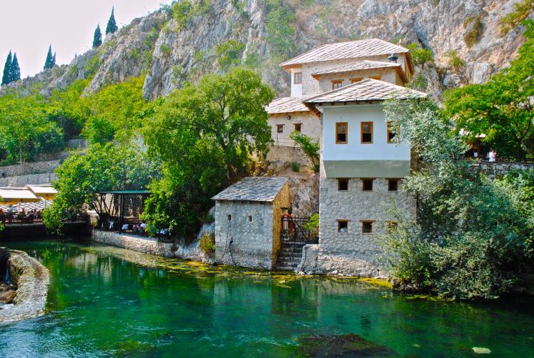 perierga.gr - Blagaj: Μικρό χωριουδάκι της Βοσνίας με υπέροχα τοπία!