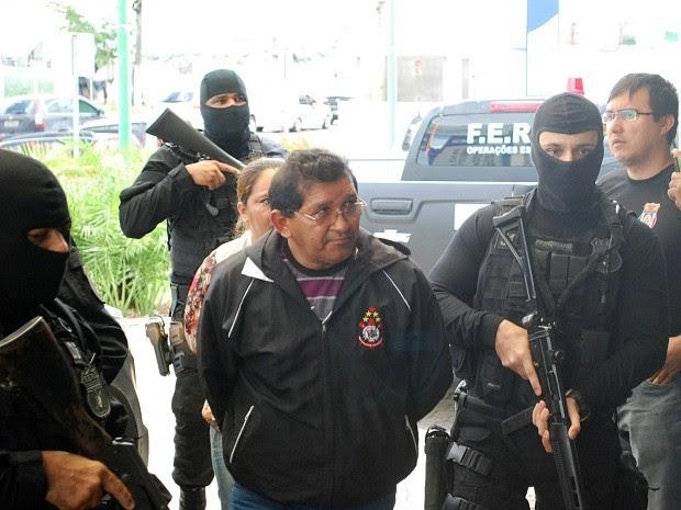 Cinco presos já estão em delegacia de Manaus (Foto: Jamile Alves/G1 AM)