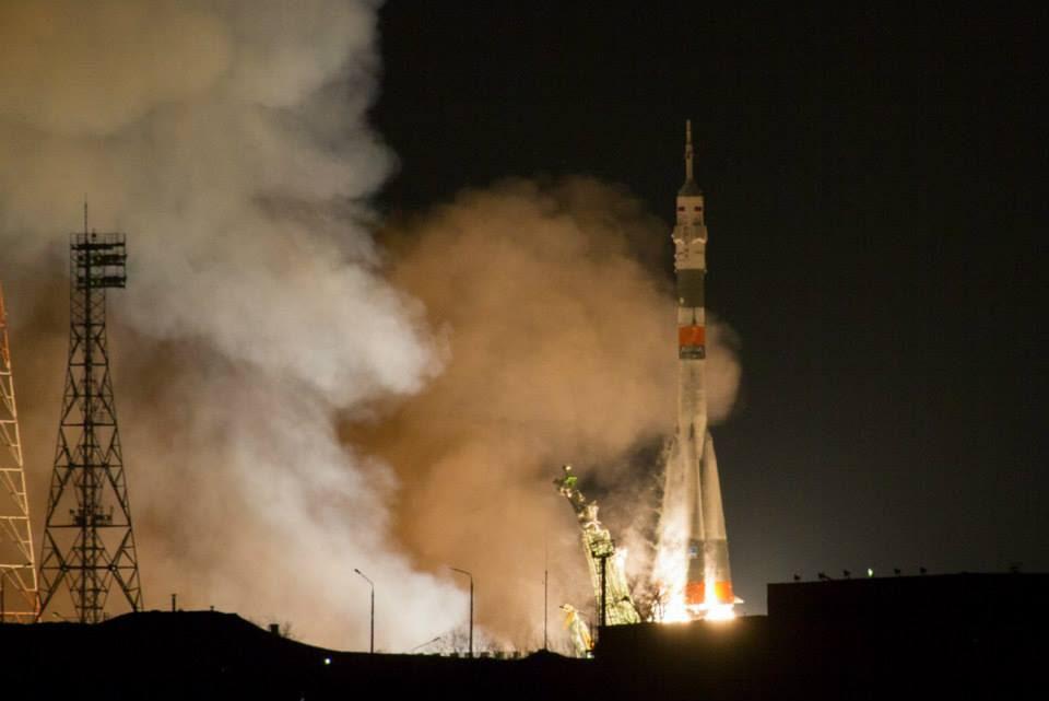 Nov23-2014-Astrosamantha-liftoff