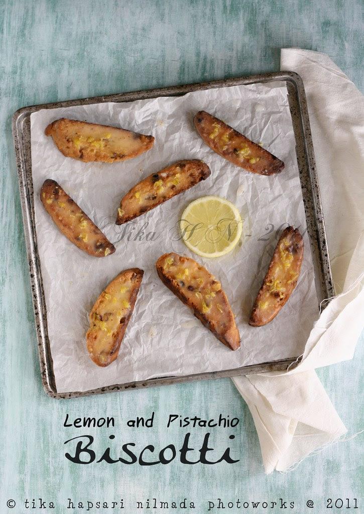 (Homemade) - Lemon and Pistachio Biscotti