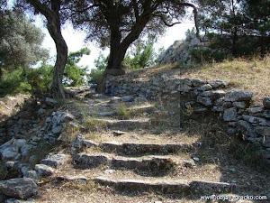 Schody k k chrámu Atheny