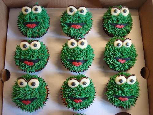 Oscar the grouch cupcakes