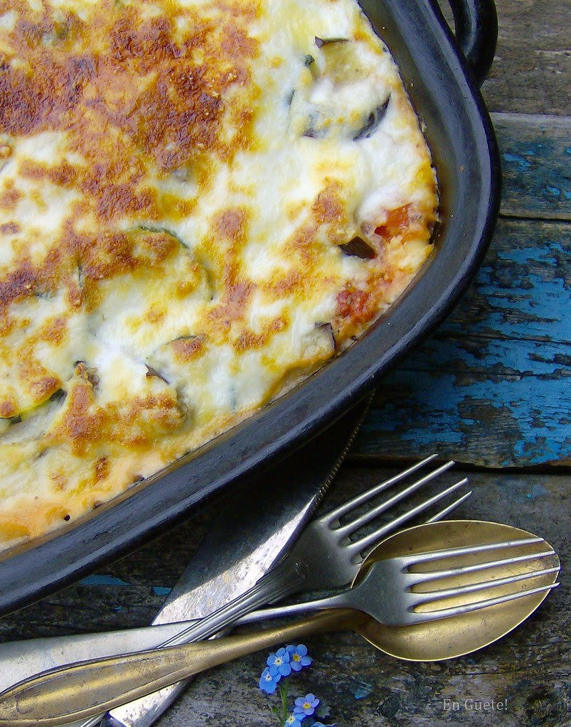 Lasaña de verduras grilladas y bechamel vegetariana light
