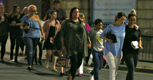 Woman leads 50 teenagers to safety from Manchester Arena following attack | JOE.co.uk