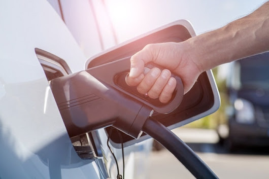 MotorWorld | MileOne Autogroup | 4 Simple Tips to Save on Fuel