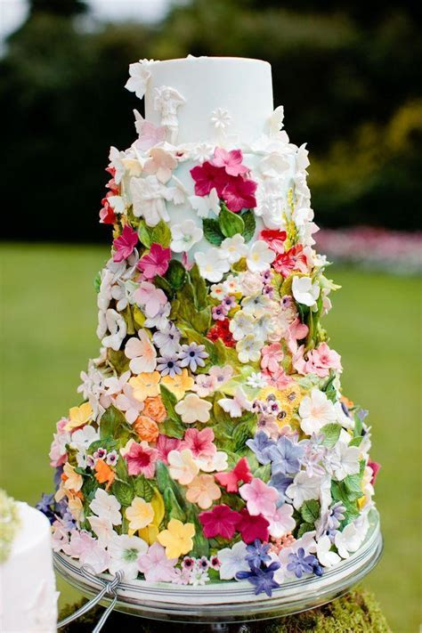 Secret Garden Cake Decorated With The Beautiful Ribbon