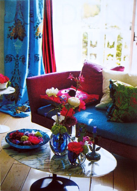 Home house design home tour tricia guild from designers for Designers guild bedroom ideas