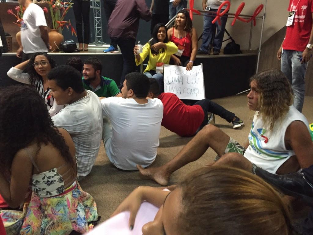 Manifestantes ocuparam a plenária para garantir a fala de uma integrante do FEJMA