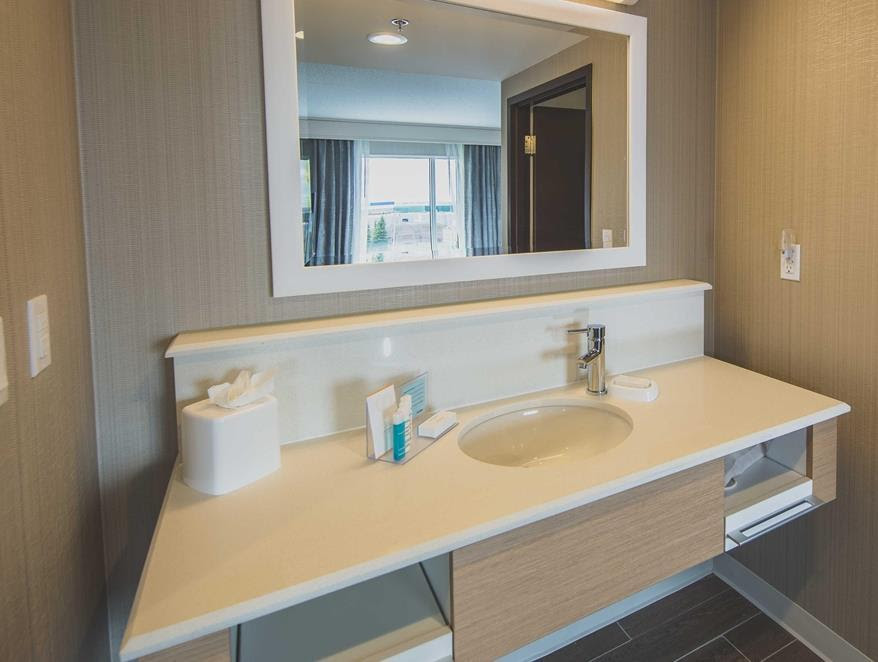 Hampton Inn and Suites Bolton Reviews