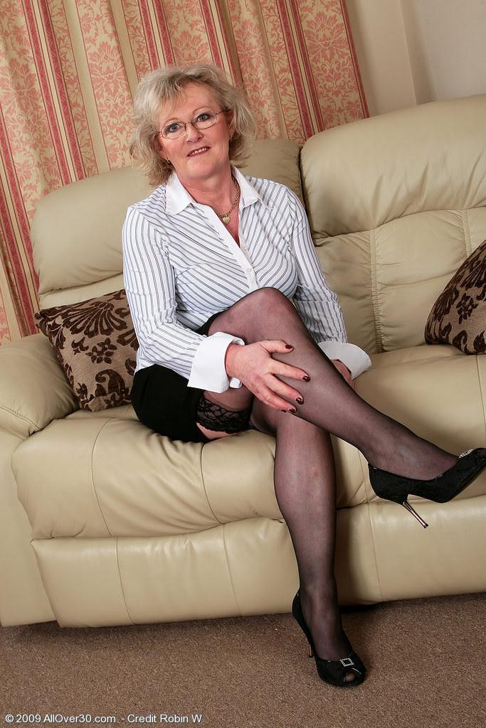 Women pantyhose older Do Pantyhose