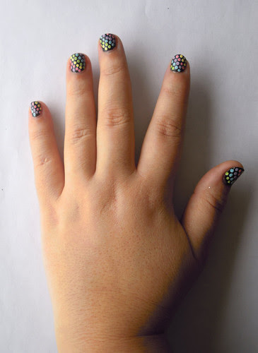 Pastel dotted nail art