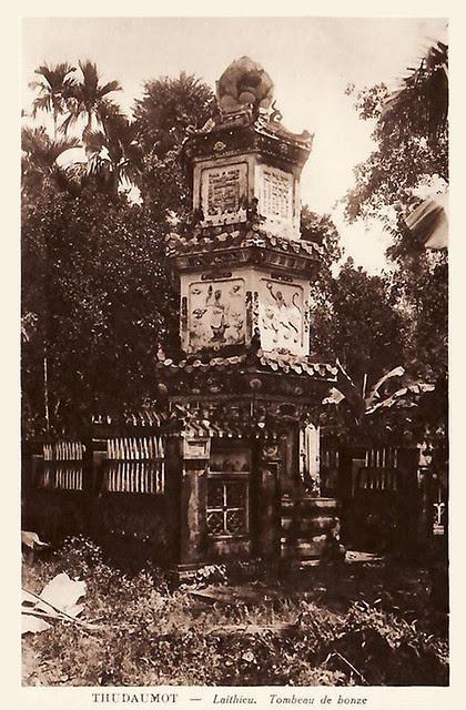THUDAUMOT - LAITHIEU.  TOMBEAU DE BONZE