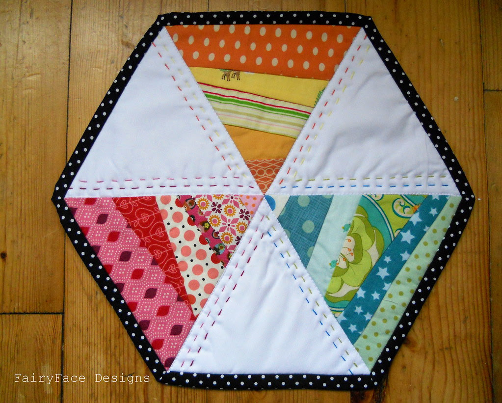 Twirly hexagon mug rug photo