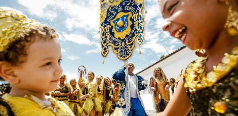 Clube foi fundado cem anos atrás no bairro de Santo Amaro. Novo estandarte faz parte da comemoração de aniversário / Foto: Andréa Rêgo Barros / Divulgação PCR