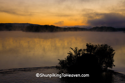 Dawn on the Wisconsin River, Grant County, Wisconsin