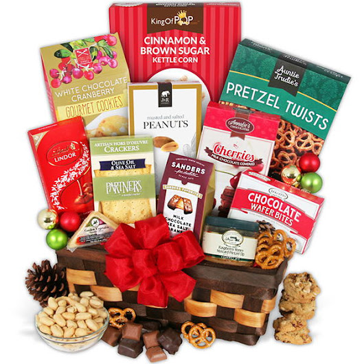 GourmetGiftBaskets.com Christmas Snack and Dessert Gift Box Giveaway