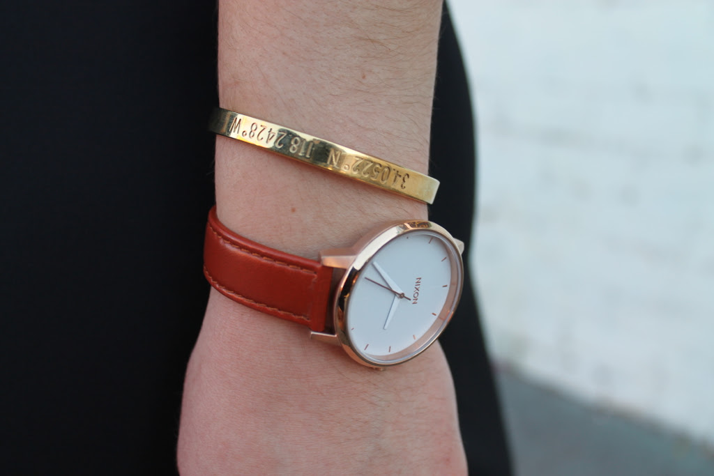 leather-nixon-watch-and-gold-bangle