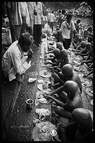 The North Indian Migrants In Mumbai At Banganga by firoze shakir photographerno1