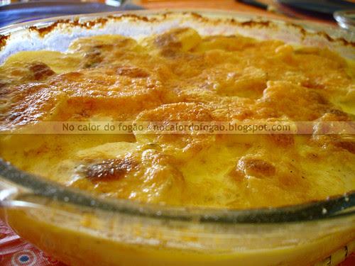 Batatas gratinadas com queijo