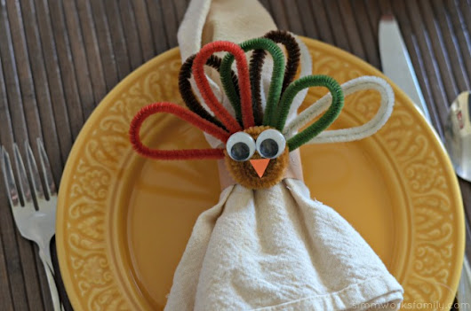 Here's a Quick Way to Make Turkey Napkin Rings for Kids