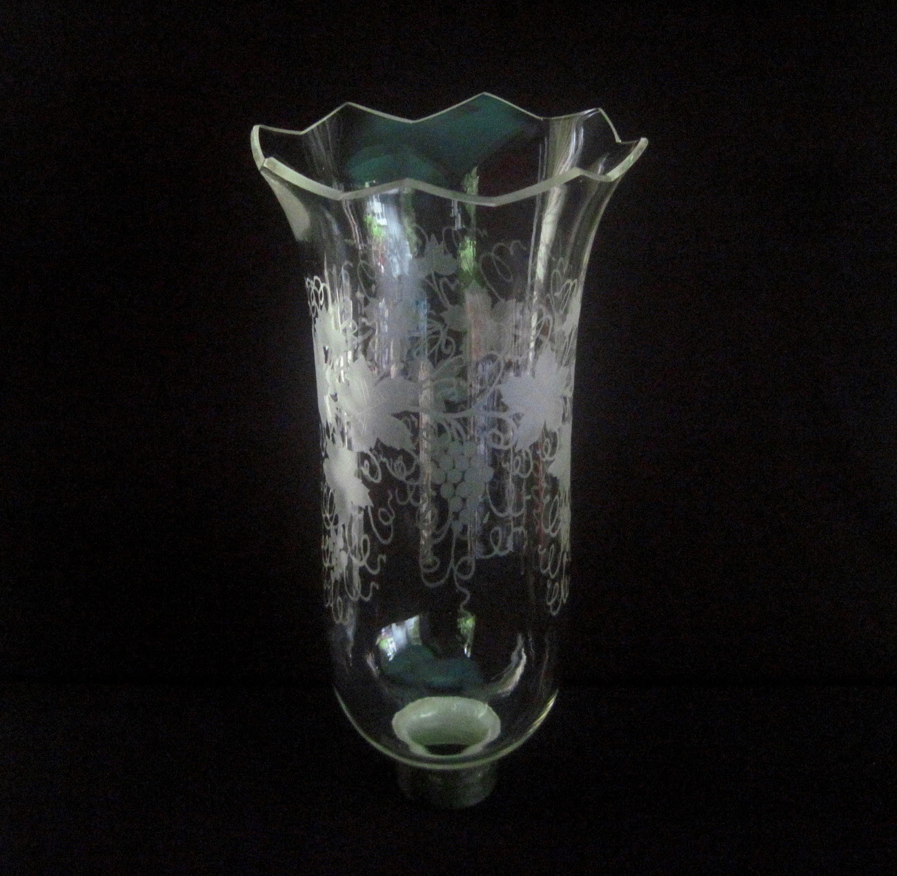 Glass Hurricane Shade 1.75 inch fitter x 11 h Grapevines XL Jagged