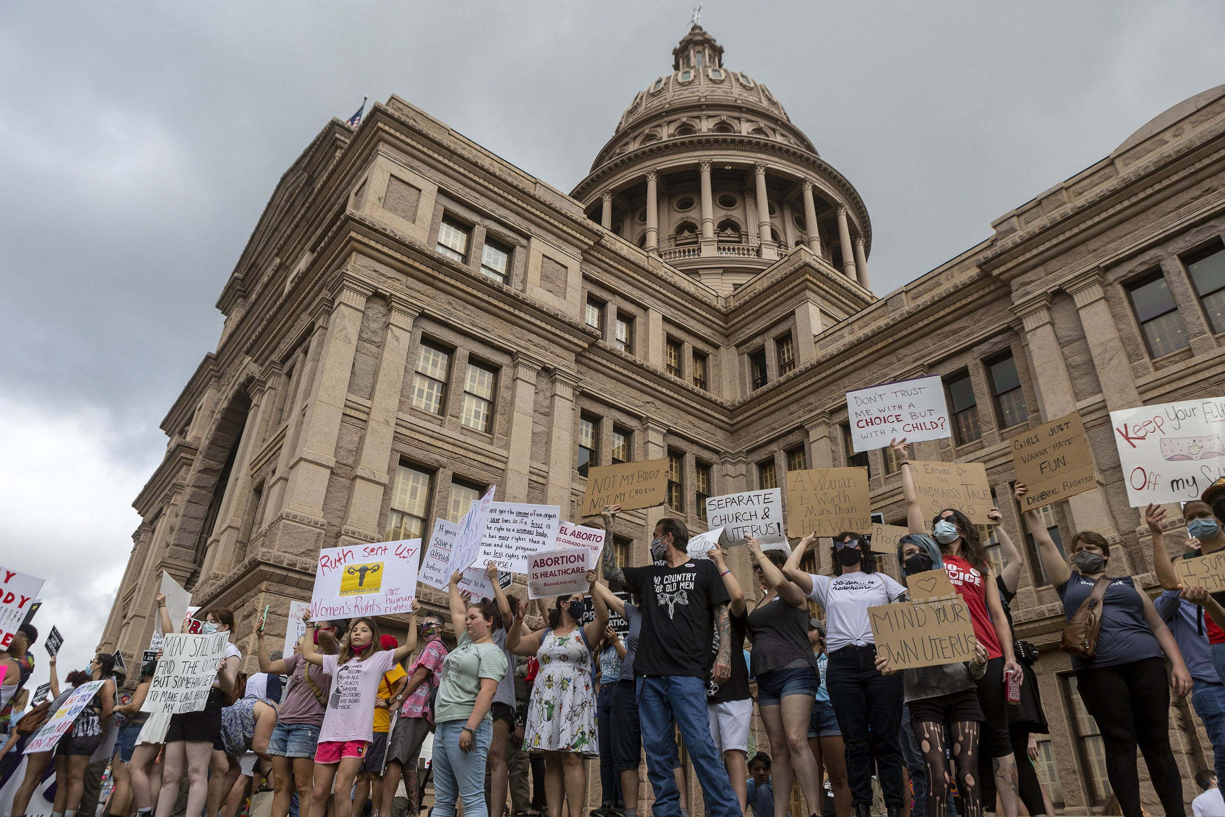 Texas tells court that states may reach own conclusions about abortion's constitutionality