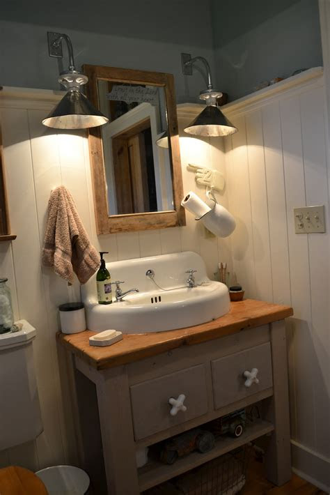 farmhouse farmhouse  bathroom