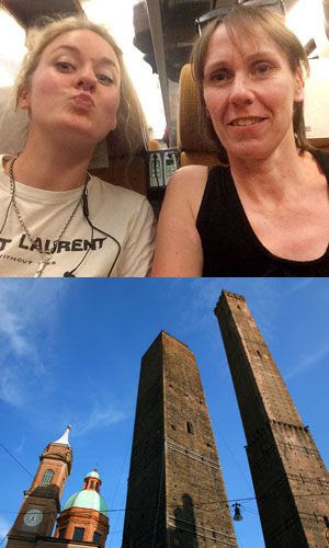 As Duas Torres (Due Torri) Asinelli e Garisenda, Bolonha (Itália).