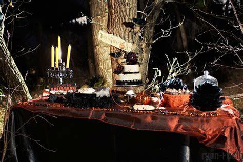 Gothic Wedding Ideas for Halloween   Confetti.co.uk
