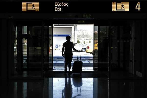 Η ΕΕ ετοιμάζεται για απαγόρευση της ελεύθερης διέλευσης των Ελλήνων