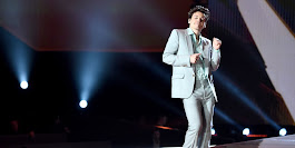 Harry Styles' Dancing at the Victoria's Secret Fashion Show - Harry Styles VS Fashion Show Performance Footage