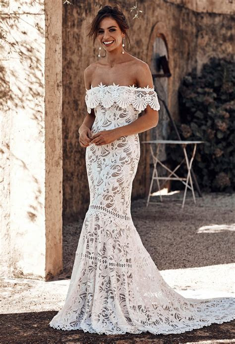 Shop Cien   Lace Wedding Gowns & Accessories   Grace Loves
