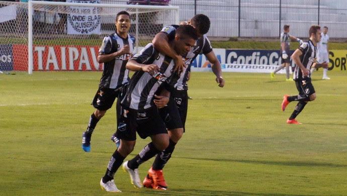 ABC x América-MG, no Estádio Frasqueirão (Foto: Augusto Gomes/GloboEsporte.com)