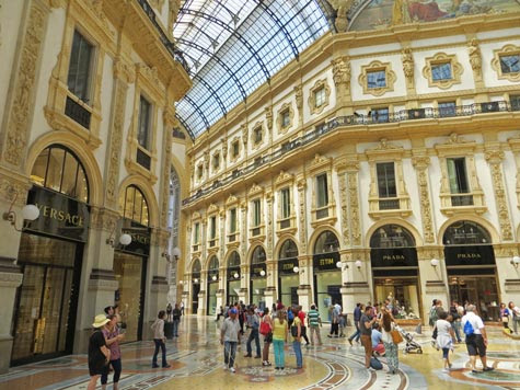 Designer Fashion in Milan Italy - A Shopper's Paradise