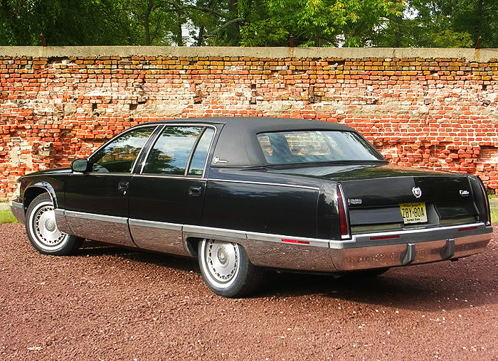 Cadillac 1996 Fleetwood black | CLASSIC CARS TODAY ONLINE