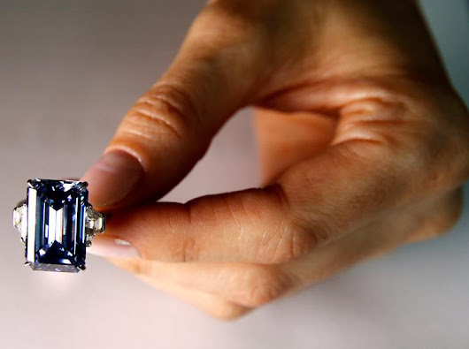 Blue diamond soars to world record $57.6 million at Christie's