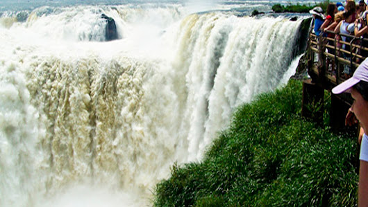 Complete tour package including Iguazu falls and Buenos Aires