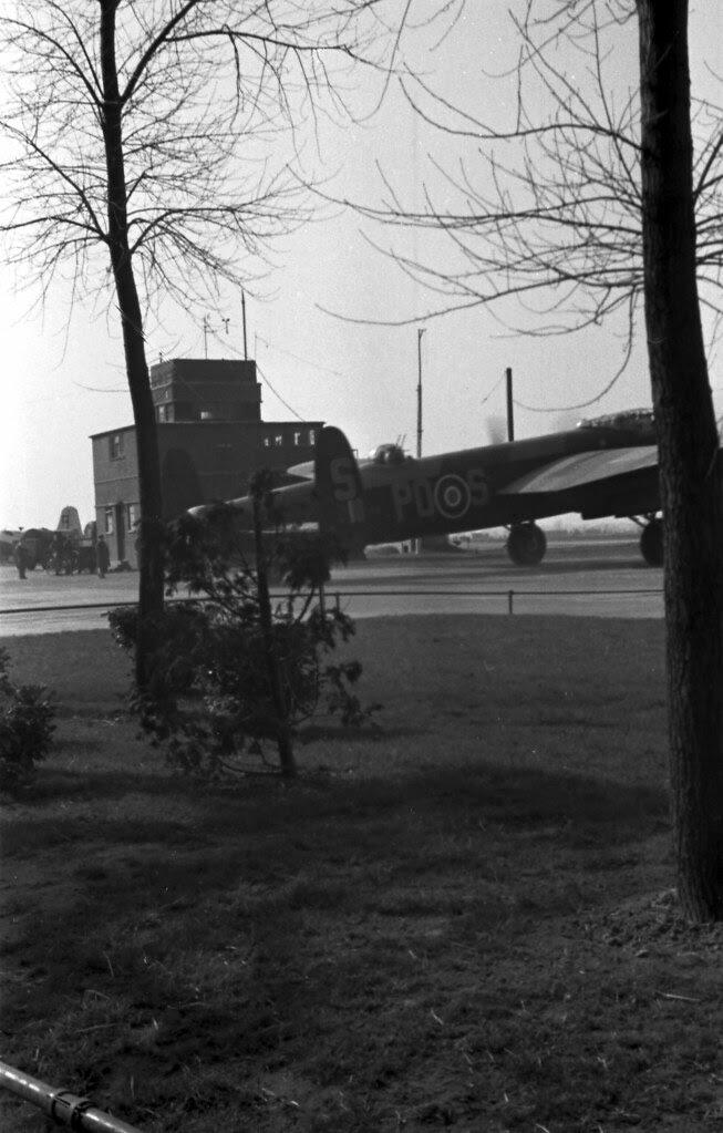 125 mission Lancaster 05